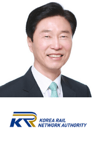 Kim Sang-Gyun speaking at the Rail LIVE conference and exhibition in Madrid, Spain
