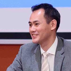 Arthur Tang speaking at Submarine Networks World