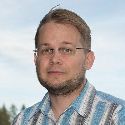 Jukka-Pekka Salmenkaita speaking at Telecoms World Asia