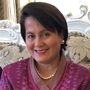 Margarita Consolacion Ballesteros speaking at EduTECH Asia