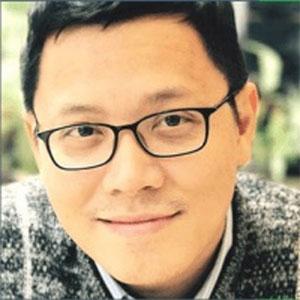 Professor Vinh Anh Le speaking at EduTECH Asia