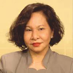 Ruth Briones speaking at Future Energy Show Vietnam