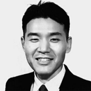 Joon Hyuk Lee speaking at Identity Week Asia