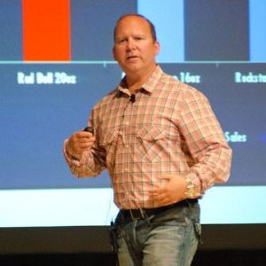 Brian Kuz speaking at Marketing & Sales Show Middle East