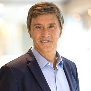 François Dossa  speaking at MOVE 2021