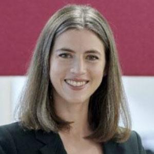 Sara Sloman speaking at ChargEV