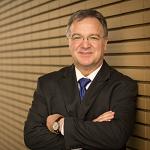 Dr Andreas Busch