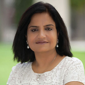 Poonam Bhojani speaking at EduTECH Arabia