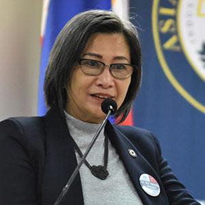 Maria Teresita Medado speaking at EDUtech Philippines