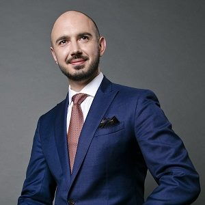 Andrey Berdichevskiy speaking at MOVE EV