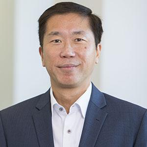 Min Yih Tan speaking at MOVE EV